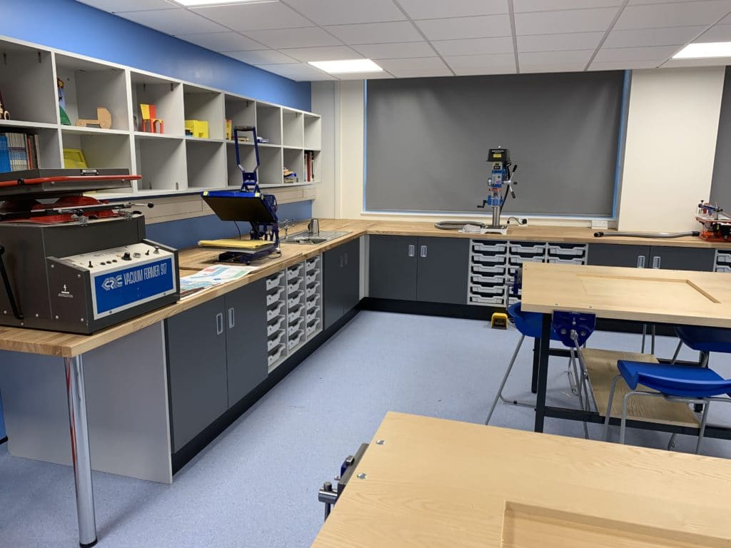 Blackminster Middle School Art And Design Classroom