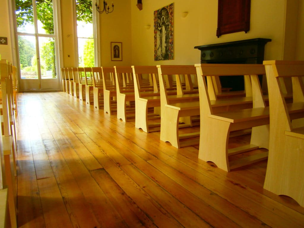 Swanbourne House School pews